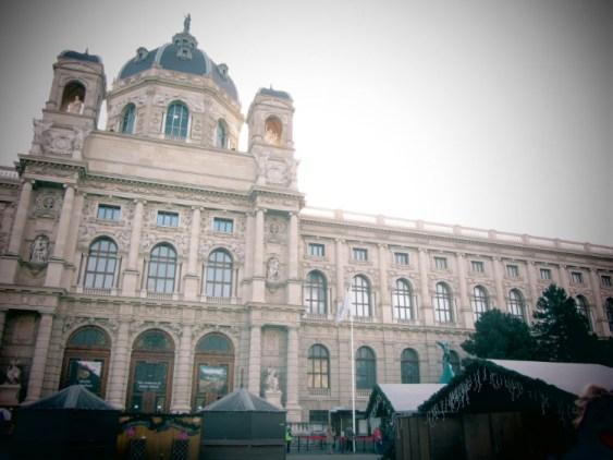 Fotografi som visar fasaden på konsthistoriska museets i Wien.