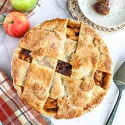 Apple Date Pie