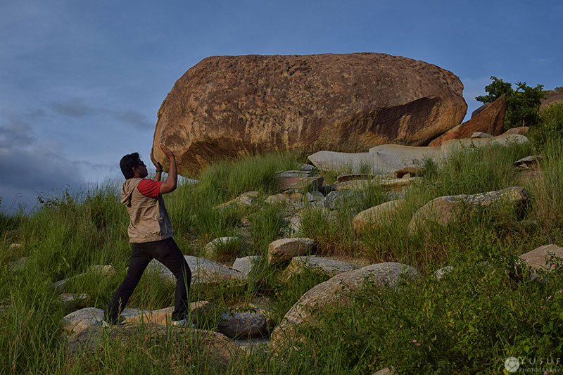 boulders-push
