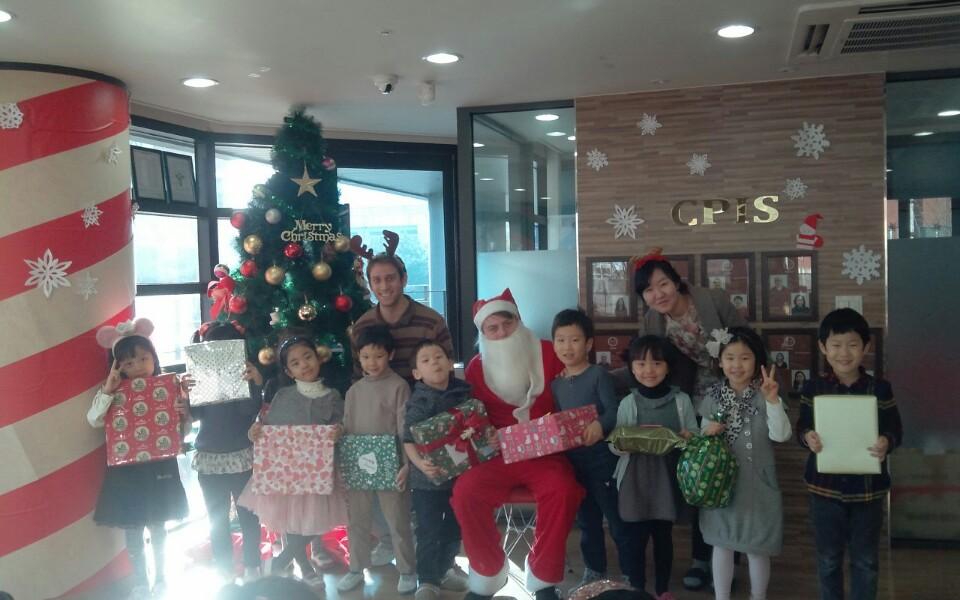 Christmas In Korea.Christmas At A Hagwon In Korea Live Travel Teach