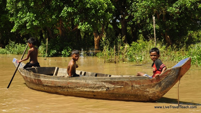 4 Life on a boat - Cambodia