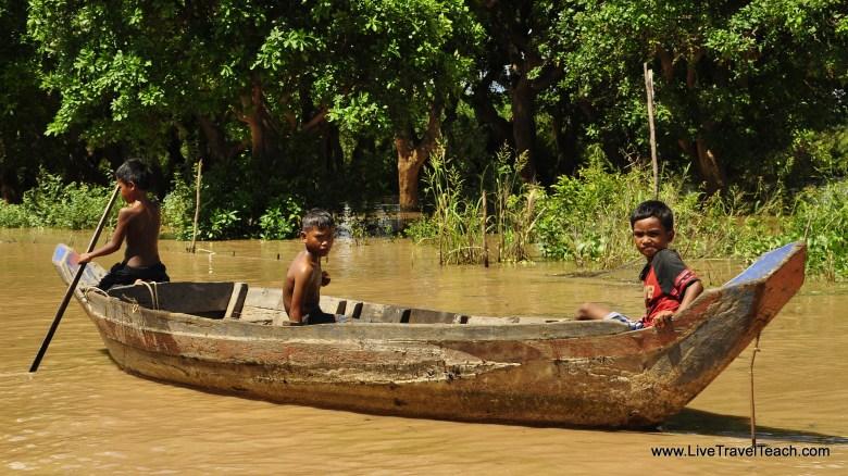 4 Life on a boat - Cambodia
