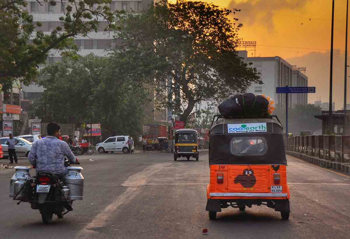 livetravelteach.com - Mike Still - The Rickshaw Run - Gujarat to Mumbai