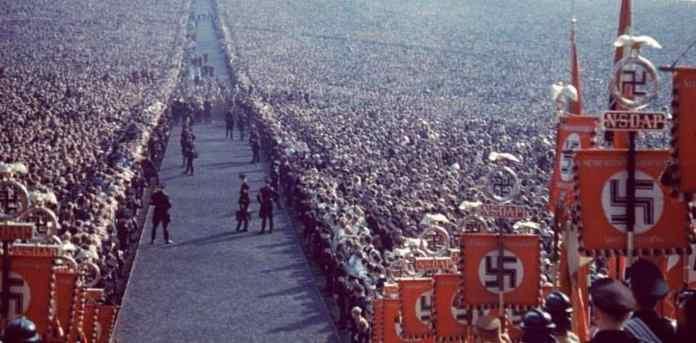 Fotograful personal al lui Adolf Hitler dezvăluie fotografii cu liderul nazist de când era la putere