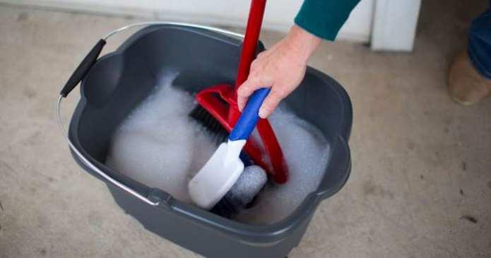 9 trucuri pentru curățarea casei domneavostră