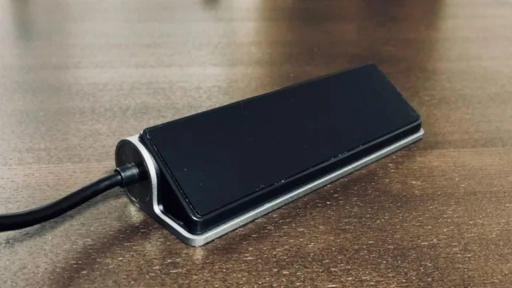 Satechi USBハブ&SDカードリーダー 底面