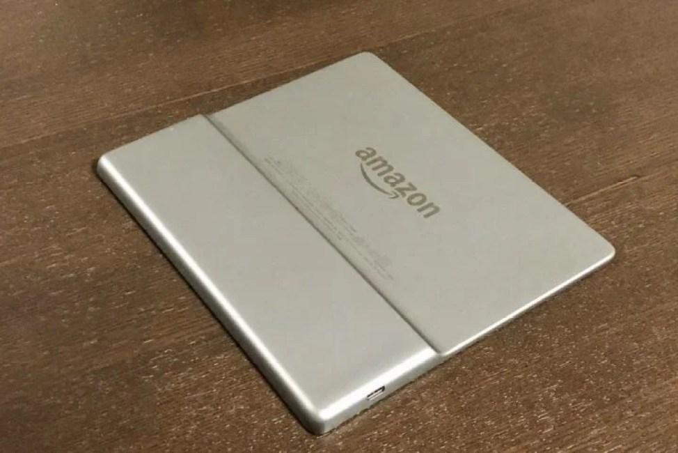 Kindle Oasisのアルミ素材の背面