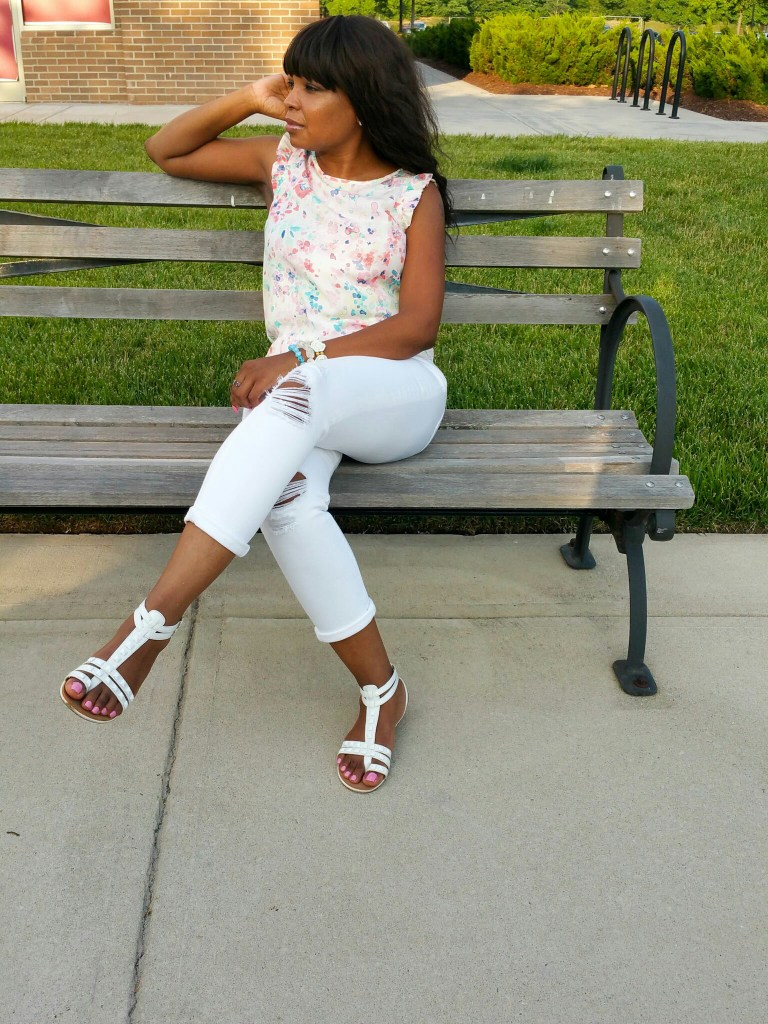 Wednesday-Pants-Lnky-Party-the-Elegance-of-White-PicThree-LiWBF