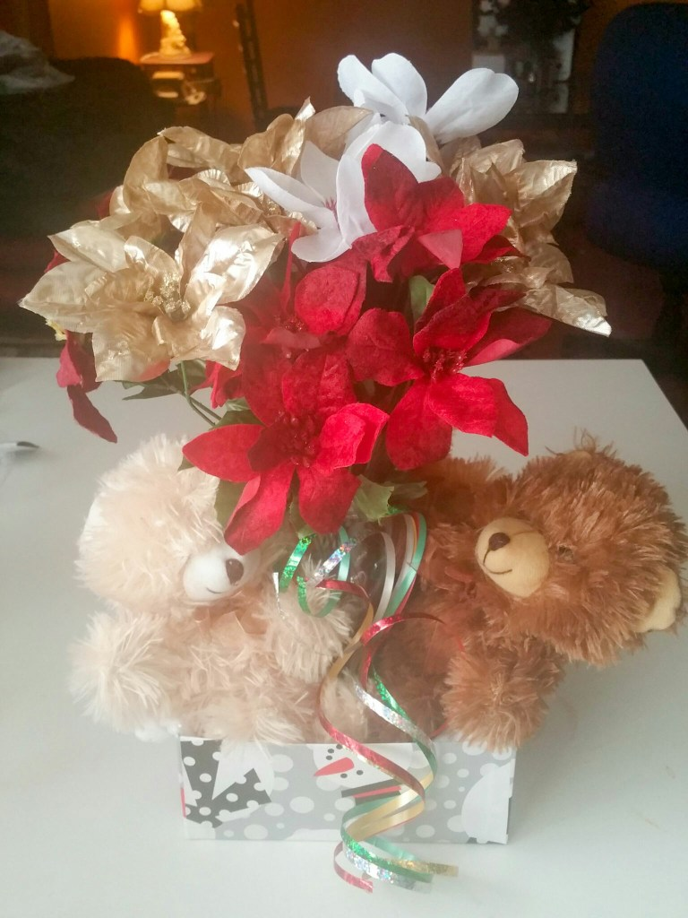 Super-Cute-Holiday-Bouquet-2015-Nine-LiWBF