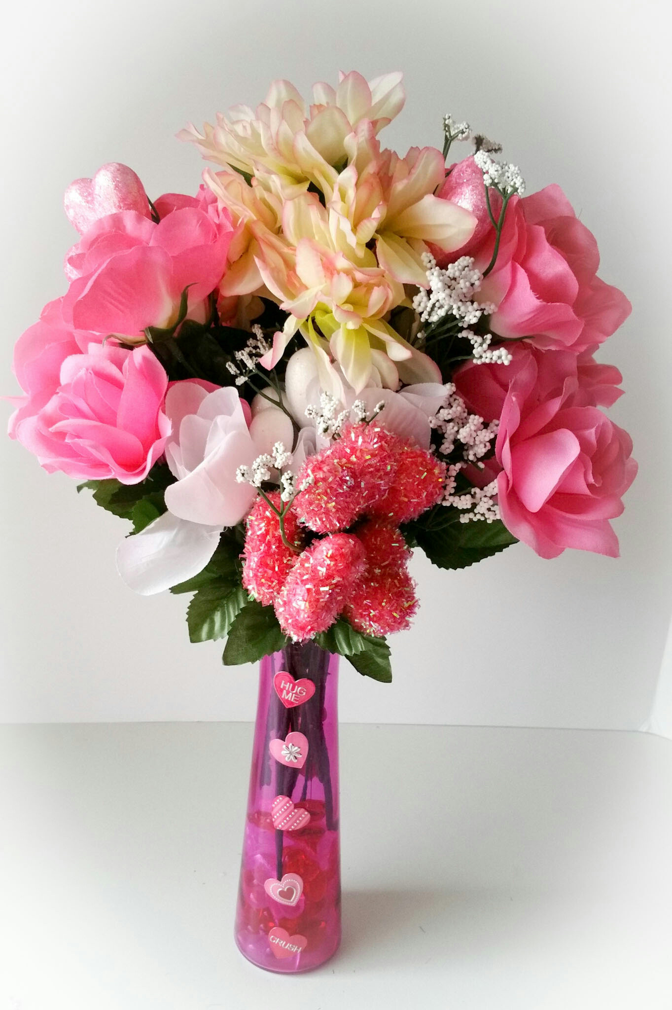 Super-Cute-DIY-Heart-Vase-Bouquet-Nineteen-LiWBF