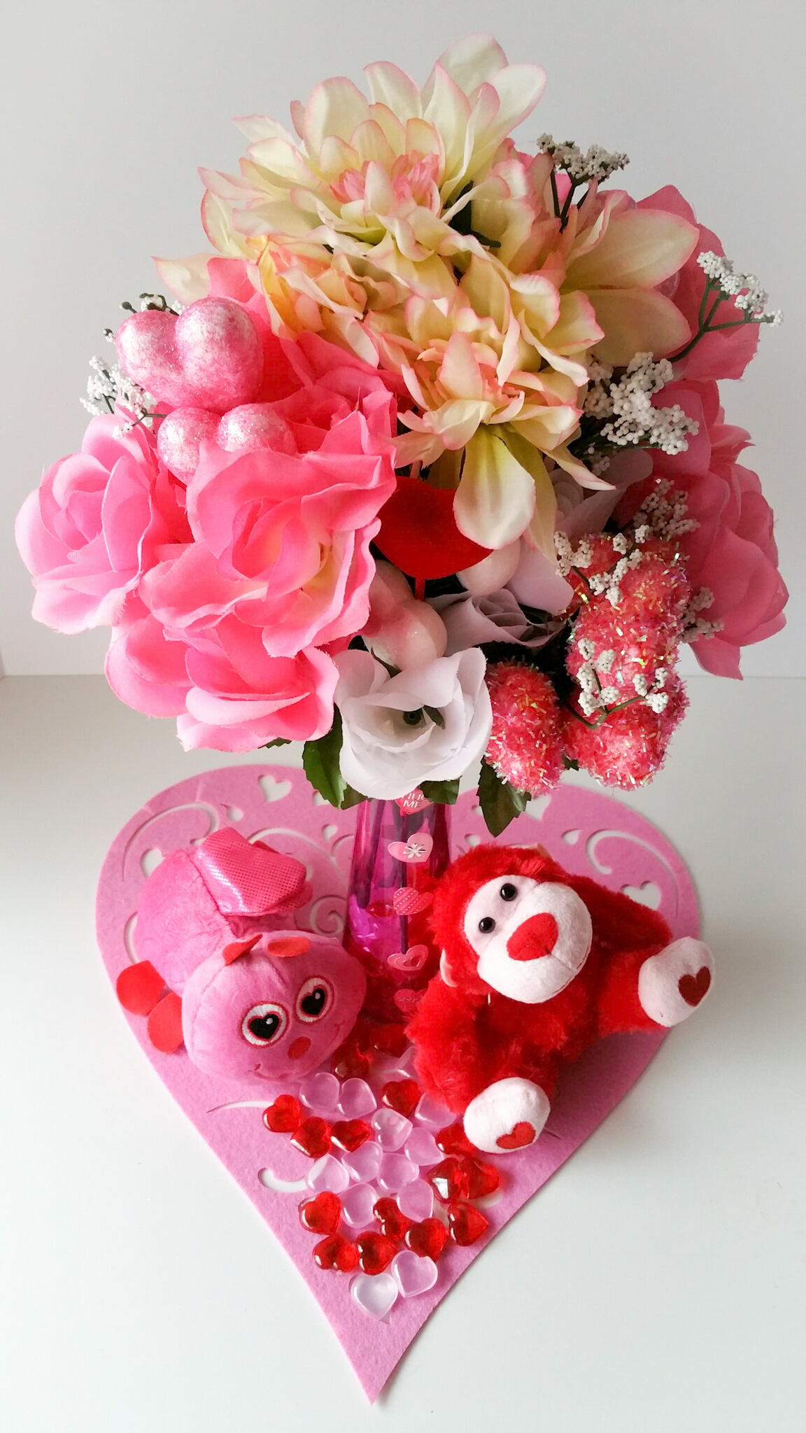 Super-Cute-DIY-Heart-Vase-Bouquet-Seven-LiWBF