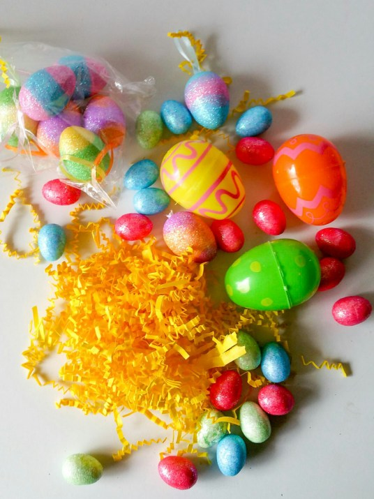 Super-Cute-Egg-Bouquet-in-6-Easy-Steps-Sixteen-LiWBF