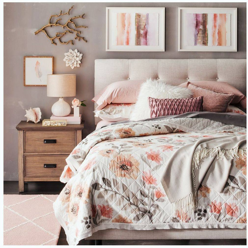 Is this not the cutest bedroom ever? Take a peekhellip