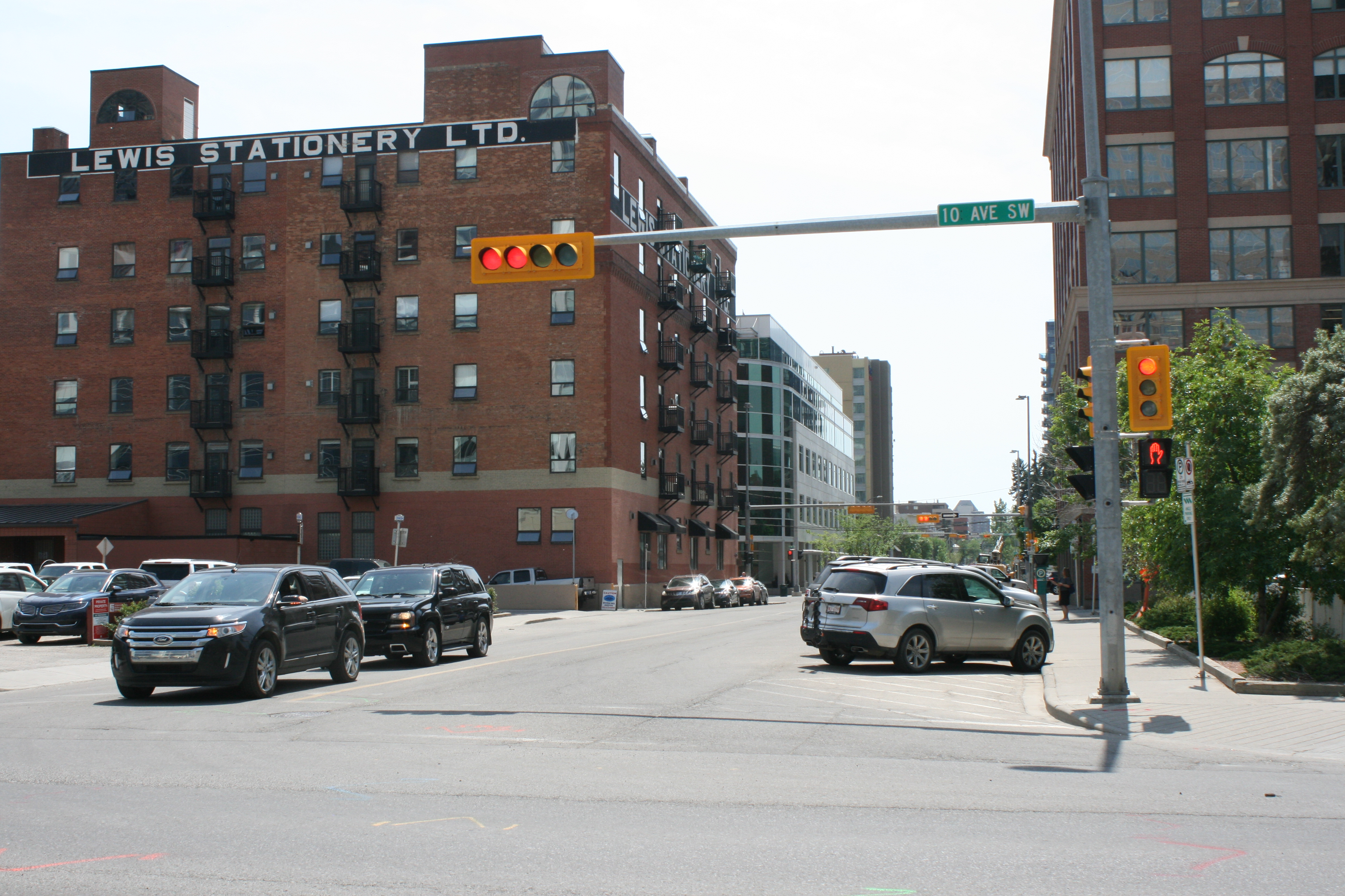 2 Street SW