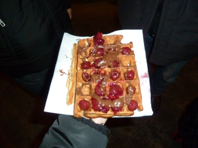 Waffles with Nutella and cherries
