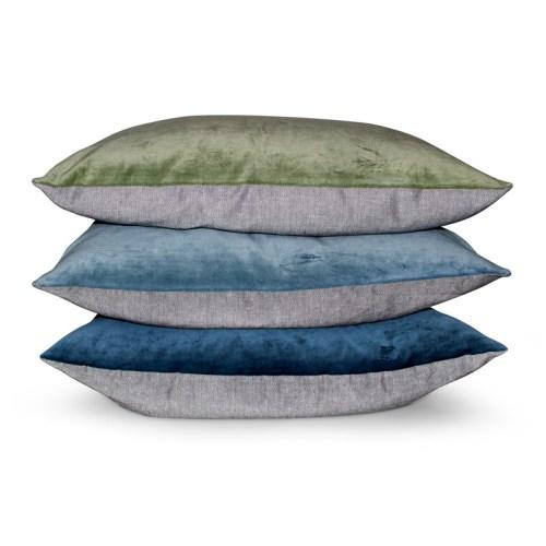 Aspegren-cushion-velvet-solid-stacked-4-web