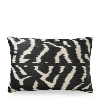 ikat kussen zijden zebraprint