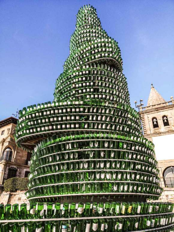 The Arból de la Sidra can be found in Cimadevilla, the Old Town of Gijón.