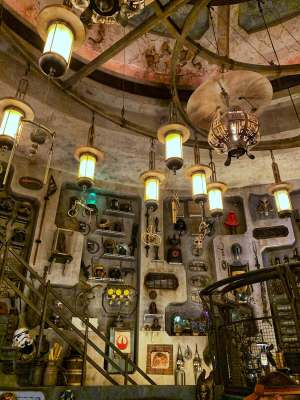 Shopping and Merchandise STAR WARS GALAXY'S EDGE IN WALT DISNEY WORLD