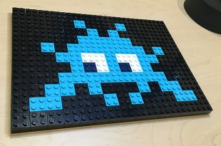 light_blue_on_black_lego