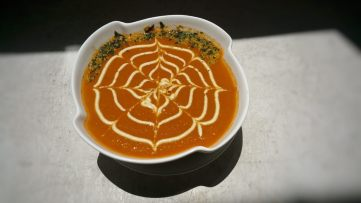 Daily Soup Cup (Served with Raw Veggie Chip Sprinkle)