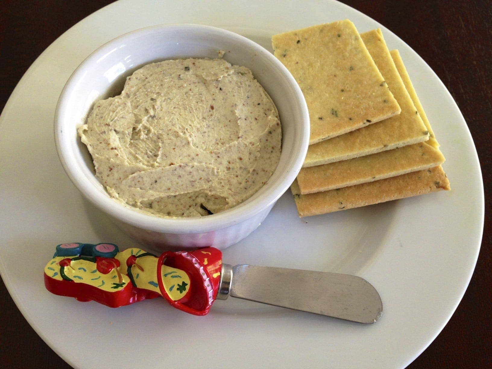 Roasted Garlic Basil Cheese Dip and Homemade Gluten Free Basil Crackers2