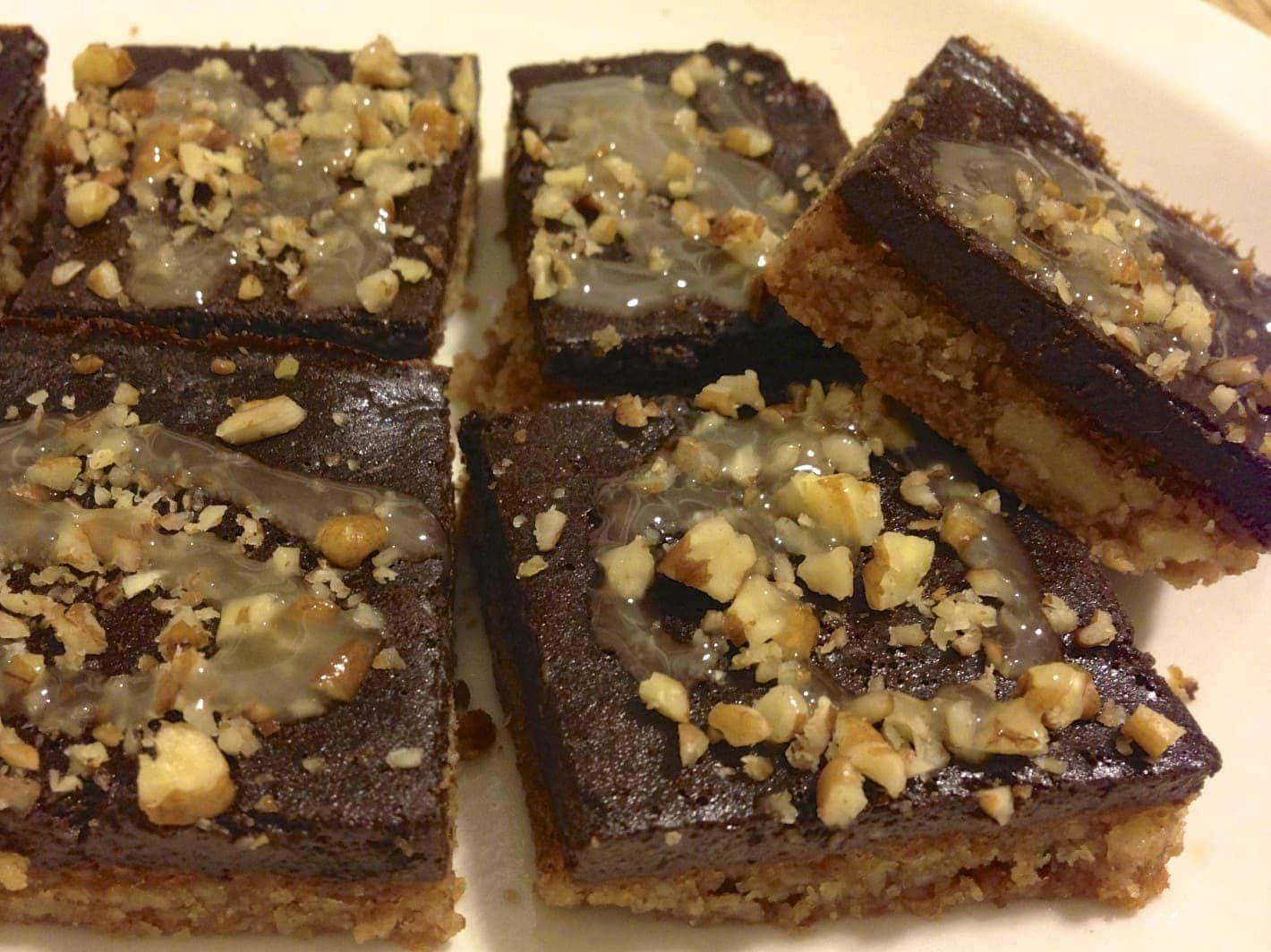 paleo chocolate pecan bars2
