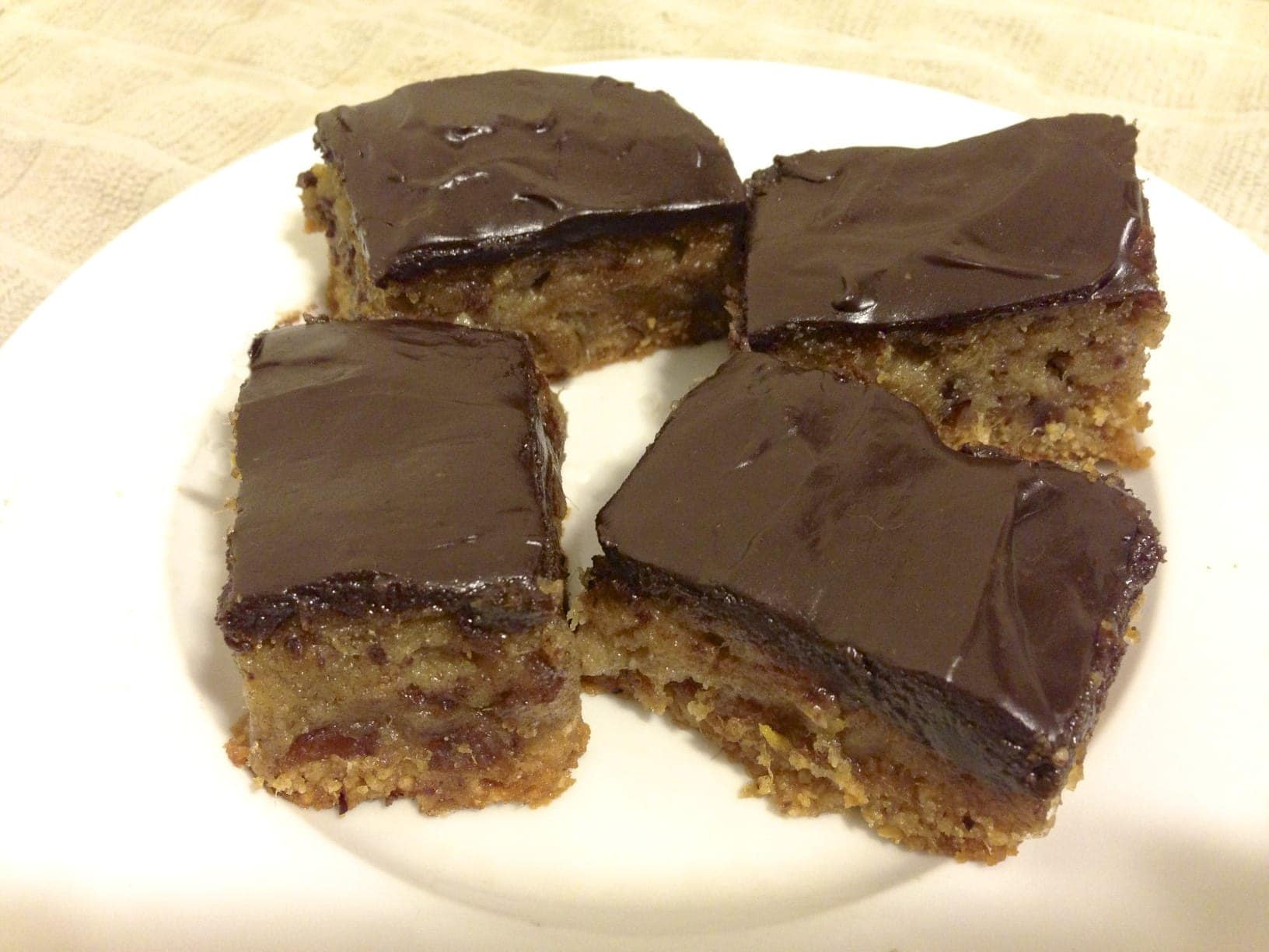 paleo:primal chocolate, date and orange bars