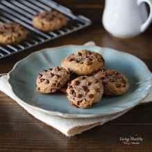 Paleo Flourless Chocolate Chip Cookies