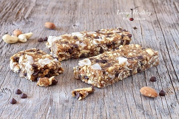 Paleo Chocolate Chip Cookie Dough Granola Bars