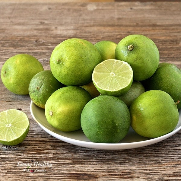 Paleo-Key-Lime-Pie-Bars-limes