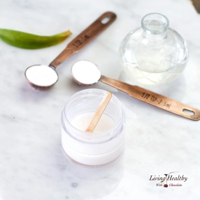 How to Make Natural Deodorant that Works with 3 Ingredients   by #LivingHealthyWithChocolate