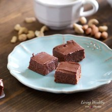 Raw, No-bake BROWNIES (without dates) (Vegan & Paleo)