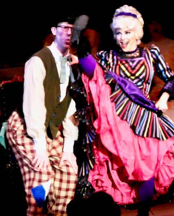 Hoop-dee-Do Musical Revue in Ft. Wilderness, Disney World