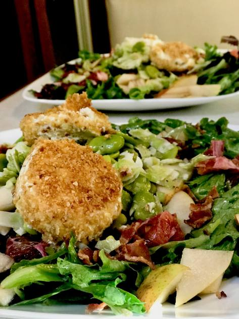 Pear salad with grilled goat cheese medallions