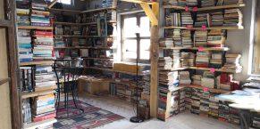 Kawon Bookstore - Books