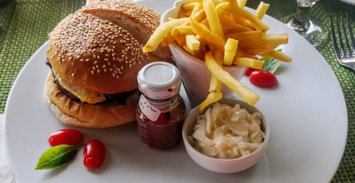 Movenpick Aqaba City - Burgers at the Pool Restaurant