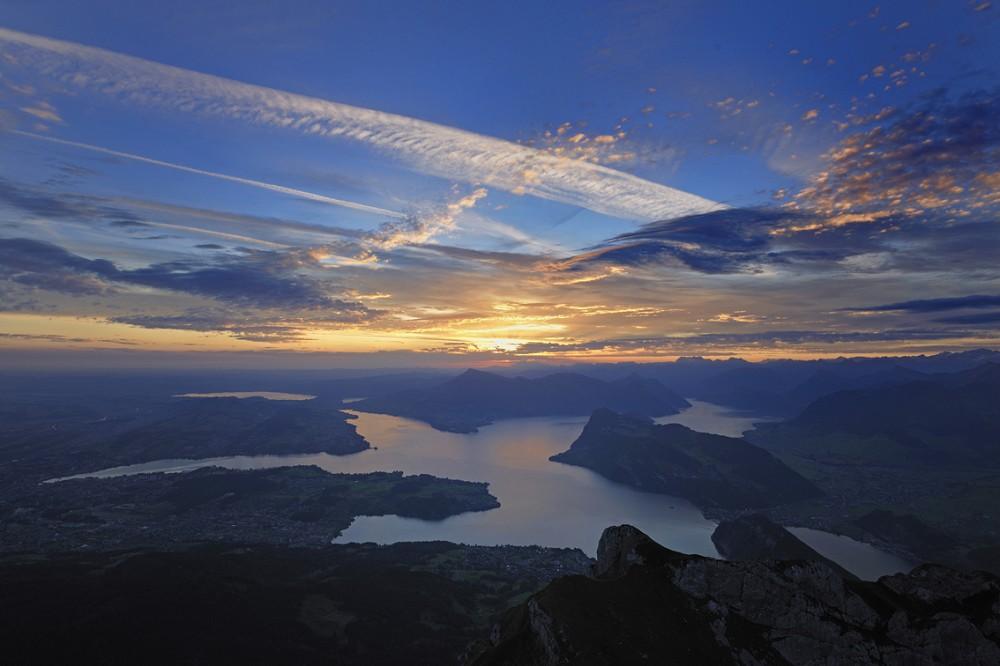 Sonnenaufgang-Vierwaldstaettersee_0