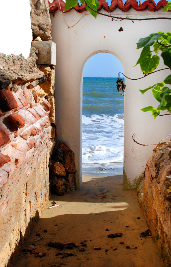 Beach entrance, Rincon