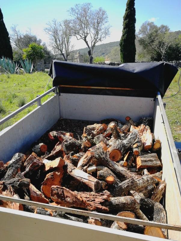 Logs in a trailer