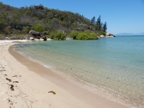 magnetic_island_geoffrey_bay1.jpg