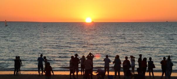 Mindil-beach-sunset-crop-web