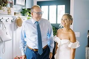 Dad-First-look-at-bride