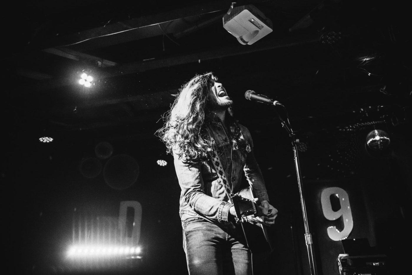 Billy Raffoul : DC9 Nightclub   Photos   LIVING LIFE FEARLESS