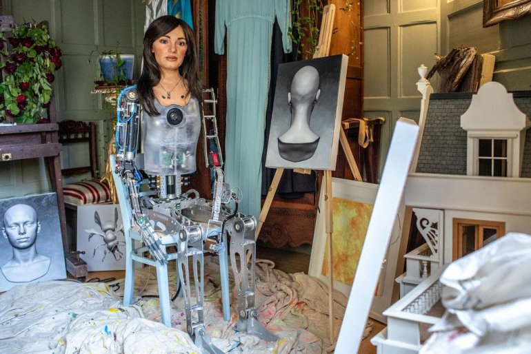 Ai-Da, an AI guided robot, is set to hold its first art exhibition   News   LIVING LIFE FEARLESS