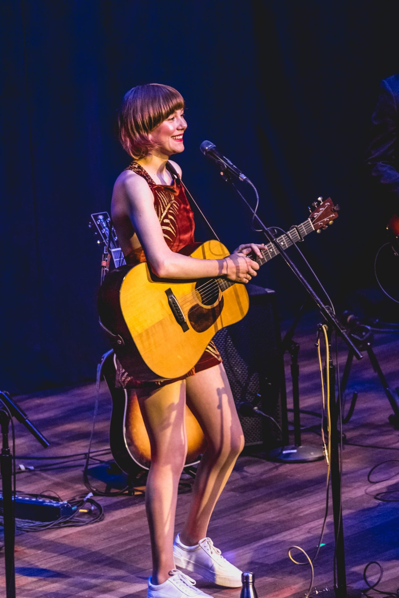Molly Tuttle : Ryman Auditorium | Photos | LIVING LIFE FEARLESS