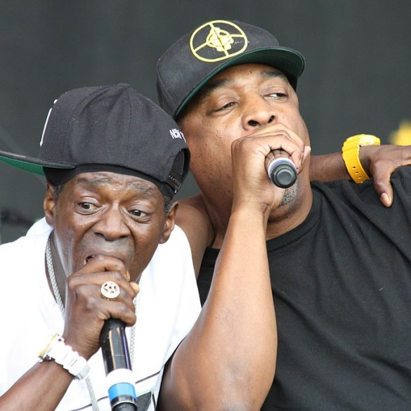 Turns out, that Flavor Flav/Public Enemy firing was all a publicity stunt | News | LIVING LIE FEARLESS