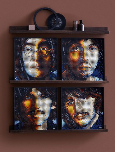 The Beatles get their own 'Art Mosaic' LEGO set | News | LIVING LIFE FEARLESS