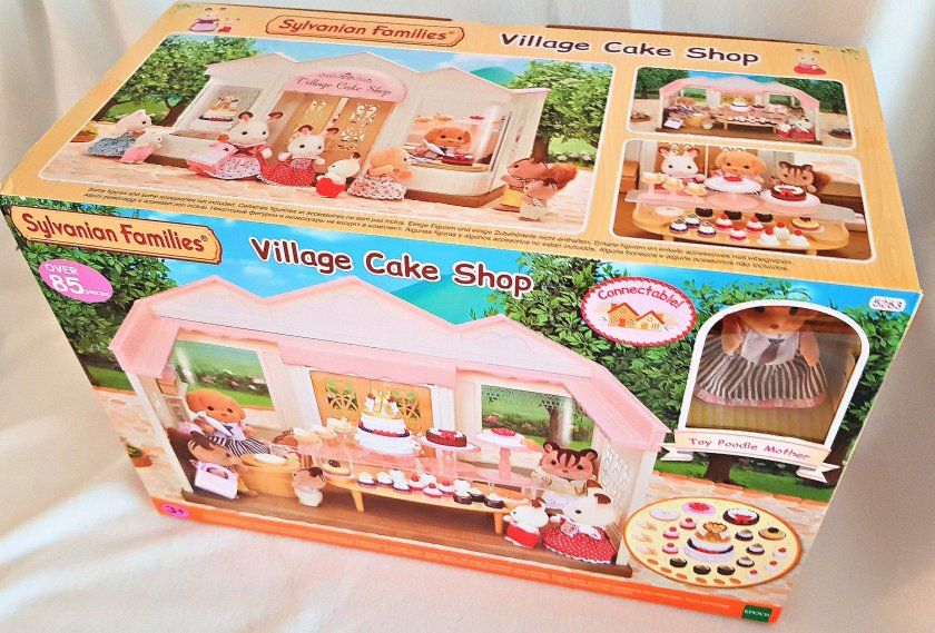 Sylvanian Families, village cake shop, Poodle Sylvanian, review, giveaway, toys, imaginative play, gift ideas, Living Life Our Way