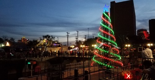 small resolution of living light shows rgb pixel and color changing led christmas light show products and services for commercial christmas displays and music synchronized